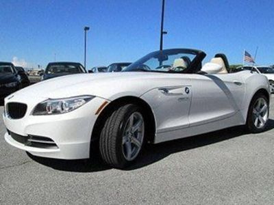 2014 BMW Z4 sDrive28i (Alpine White)
