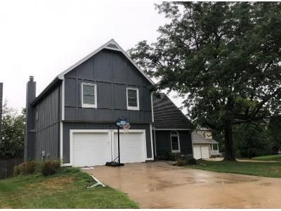 3 Bed 2.5 Bath Preforeclosure Property in Overland Park, KS 66210 - W 112th Ter