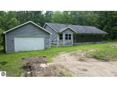 3 Bed 2 Bath Foreclosure Property in Mount Pleasant, MI 48858 - Lighthouse Shores Dr