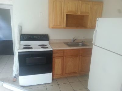 Large 1 Bedroom Apartment FOR RENT!