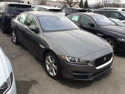 2017 Jaguar XE 20d Premium (gray)