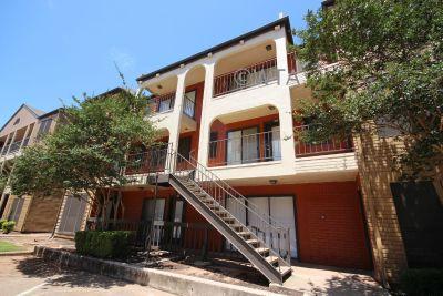 $1210 2 townhouse in Northwest Austin