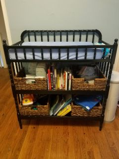 Jenny Lind changing table with 2 baskets