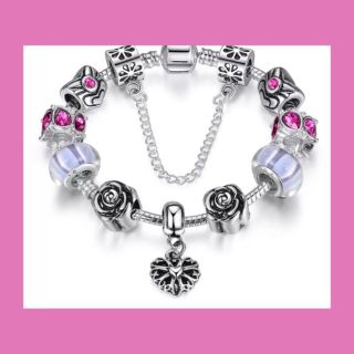 New! 925 Silver bracelet. Stamped! WITH BOX. Makes great X-mas Retails for $89.99