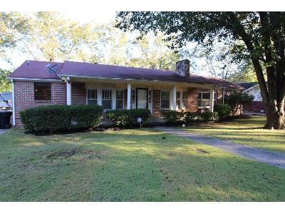 3 Bed 2 Bath Foreclosure Property in Gadsden, AL 35903 - Hillsboro Dr
