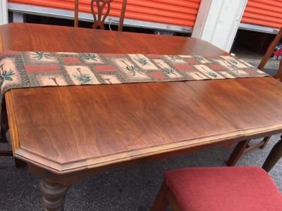 OBO Dining table and chairs