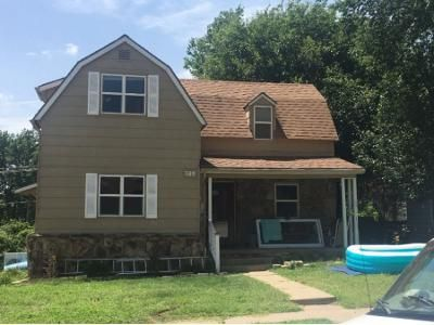 3 Bed 1.5 Bath Preforeclosure Property in Arkansas City, KS 67005 - S 3rd St