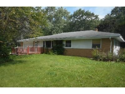 3 Bed 1 Bath Foreclosure Property in Menomonee Falls, WI 53051 - 19086 Pleasant View Dr