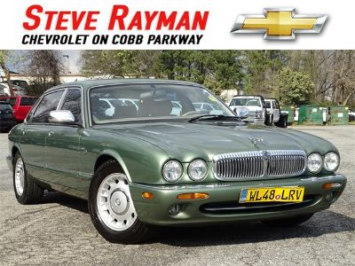 1999 Jaguar XJ-Series Vanden Plas (green)