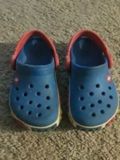 Lego crocs 6/7 toddler