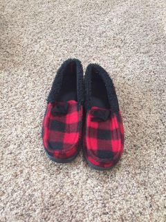 Size 1/2 Slippers