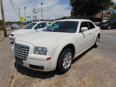 2006 Chrysler 300 Touring (White)