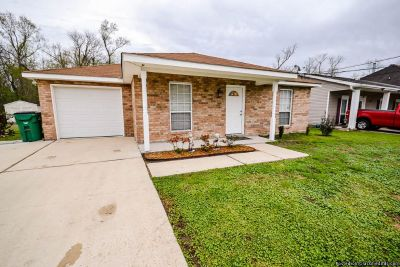 3BR/2BA 3 BEDS/2 BATHS, SINGLE ATTACHED GARAGE
