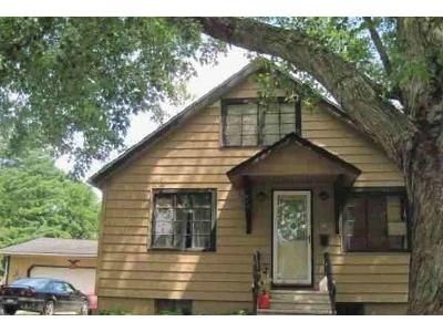 3 Bed 1 Bath Foreclosure Property in Three Rivers, MI 49093 - Spring St