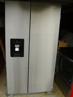 Whirlpool 24.5-cu ft Side-by-Side Refrigerator Fingerprint-Resistant Stainless Steel BRAND NEW