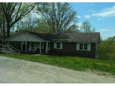 4 Bed 1 Bath Foreclosure Property in Collinsville, VA 24078 - Thomas Rd
