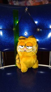 """6.5"""" vintage with weighted bottom, Garfield plush doll. Ave online price w/shipping is $16.00. Asking $10.00"""