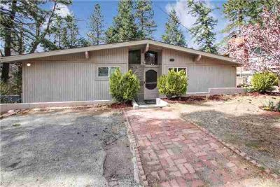 30764 Live Oak Drive RUNNING SPRINGS Four BR, Welcome to this
