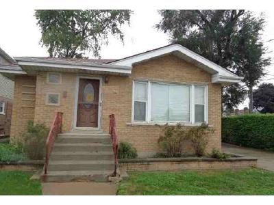 3 Bed 2 Bath Foreclosure Property in Chicago, IL 60655 - W 119th St
