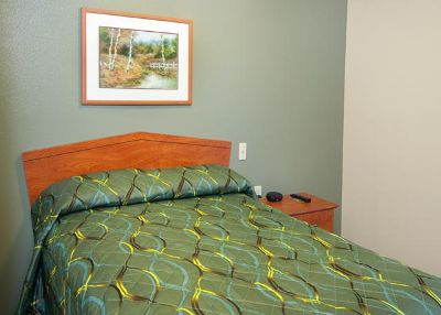 $249.99, Studio, Furnished studio with Kitchenette by week or month