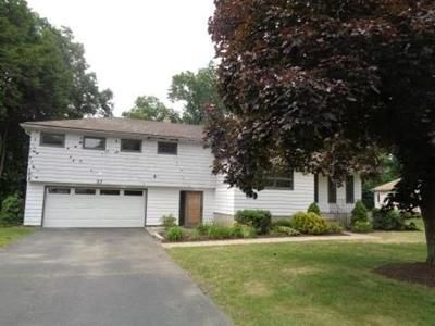 2 Bed 3 Bath Foreclosure Property in Longmeadow, MA 01106 - Captain Rd