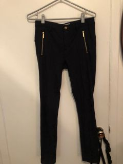 Brand new Michael kors navy pants size 6 worth 75$ special till Saturday 15$ last price !!