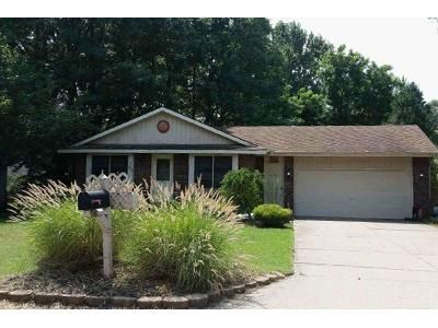 2 Bed 1 Bath Foreclosure Property in Holland, MI 49424 - Liberty St