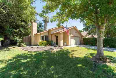3137 Golden Eagle Lane MODESTO Two BR, Commuters Delight!!