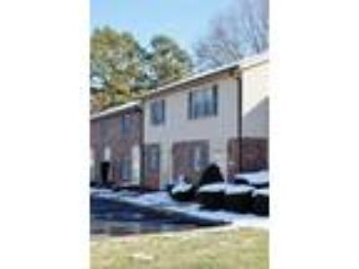 Townhome 2 Story, Single Family - Hickory, NC
