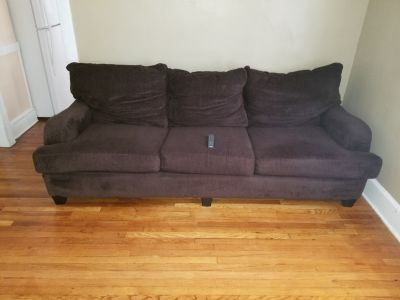 3 Seater sofa comfty and in great condition