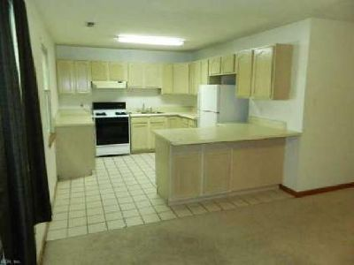 210 Pennsylvania Avenue 3 Norfolk, super Two BR (with