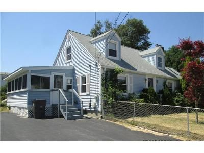 3 Bed 1 Bath Foreclosure Property in West Warwick, RI 02893 - Albion St