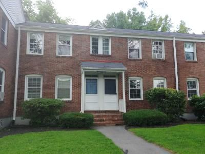 2 Bed 1 Bath Preforeclosure Property in West Springfield, MA 01089 - Colony Rd # No44