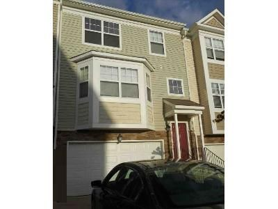 3 Bed 2.5 Bath Foreclosure Property in Prince Frederick, MD 20678 - English Oak Ln