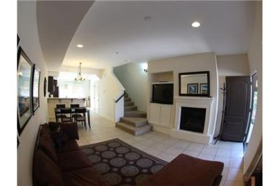 townhome 3 bed 2. 5 bath