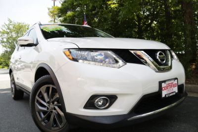 2016 Nissan Rogue (Pearl White)