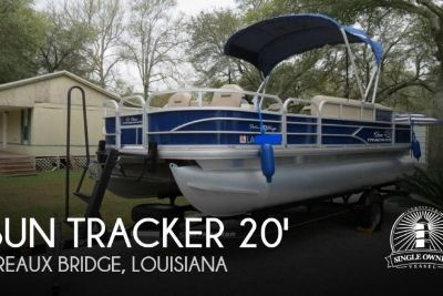 2017 Sun Tracker 20 DLX Fishing Barge