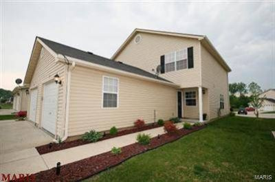 717 Woodside Festus Two BR, condo is perfect for first time