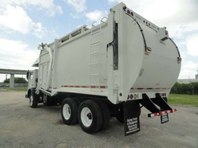 2005 Mack MR600 E-Z Pack Hercules Front Loader Garbage Truck