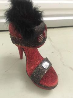 Decorated muses shoe