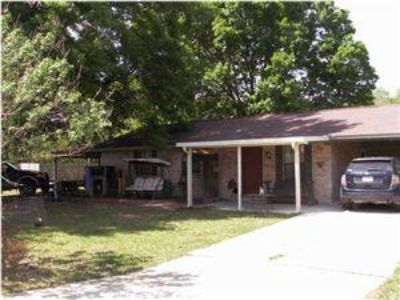 $107,500, 3br, Beautifully Maintained Starter Home A Must See