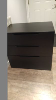 dresser 3 drawers cabinet filing cabinet measures 31.75w x 19.25d x 30.75h firm on price