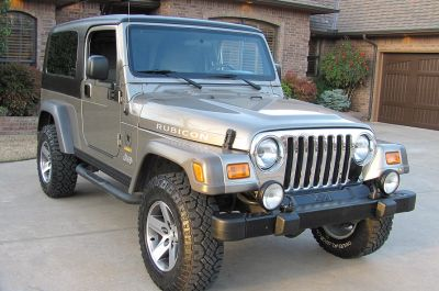 Gold Beauty 2005 Jeep Wrangler Rubicon
