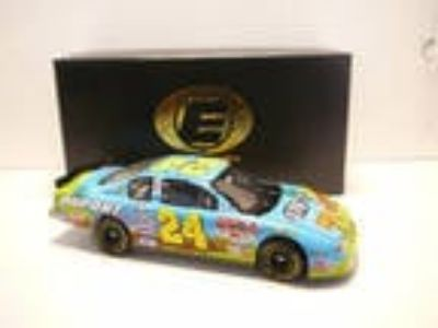 JEFF GORDON #24 DuPont Looney Tunes Rematch 2002 Monte Carlo