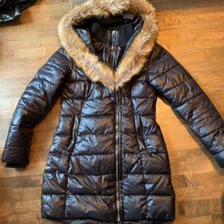 Women s size small winter jacket - mint condition - keeps warm
