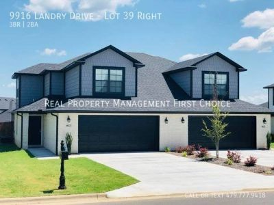 3 BED 2 BATH TOWNHOMES IN CHAFFEE CROSSING