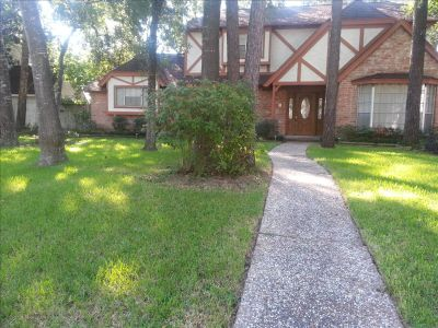 $650, Rooms in House w private living