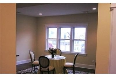 Beautiful 4 bedroom apartment with lots of sunlight.
