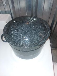 Canning pot with (Ball) utensils