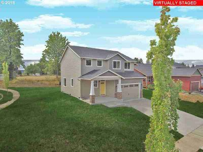 615 NE Joann Dr Castle Rock, Quality Builder